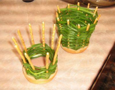 Салат в луковой корзинке