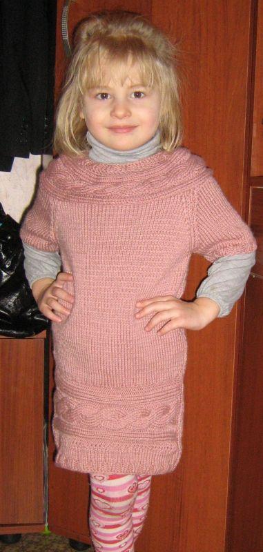 Вязаное платье для старшей дочки 5-6 лет.