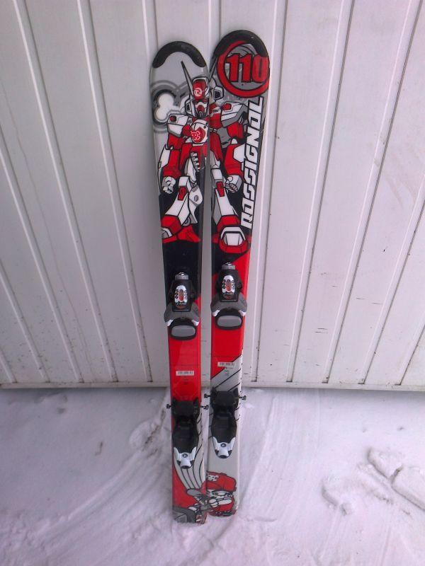 Лыжи и ботинки, продам, в отличном состоянии фирмы «ROSSIGNOL@