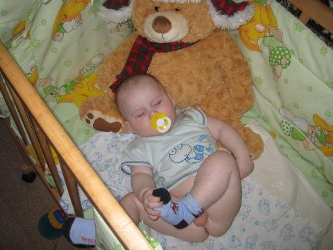 в каких позах спят малыши?