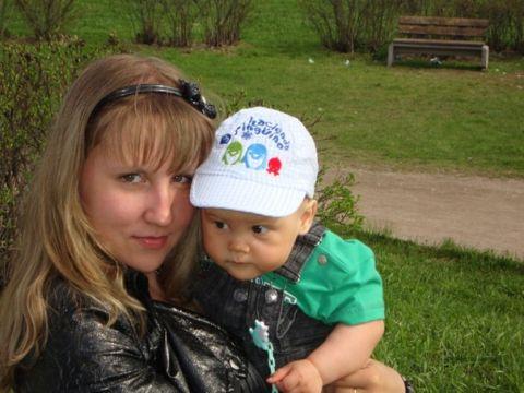 Нам 9 месяцев)))